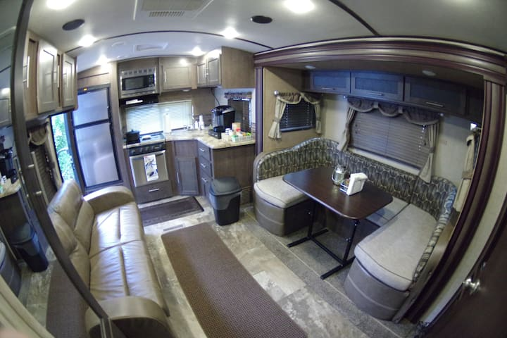 Entire Luxury RV- Set up on our property, sleeps 5