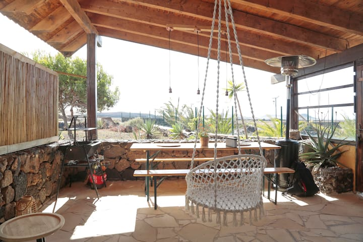 Sunset house with beautiful views/ private terras