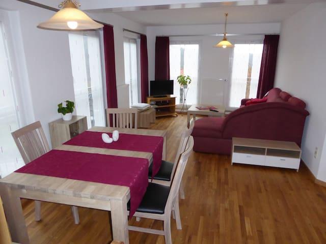Helle 60qm Wohnung zum Wohlfühlen - Karlstadt-Gambach - Appartement