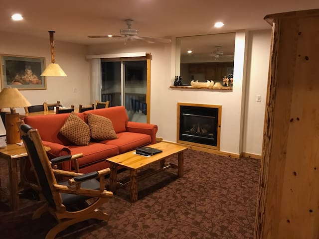 Ski in/Ski out suite available! - Olympic Valley