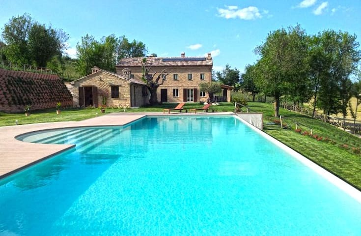 Ca' della Fonte apartment in villa with pool - Morro d'Alba