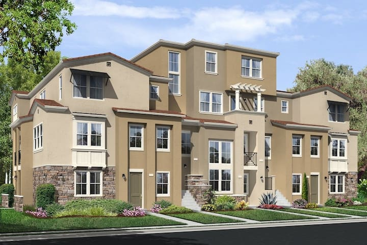 Beautiful Brand New Condo 3Bed/3Bath - Milpitas - Townhouse