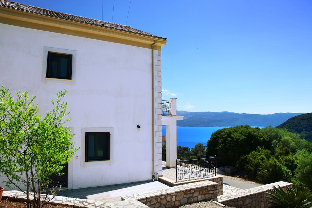 The villa is surrounded by olive trees, seven minutes walk from the beach.