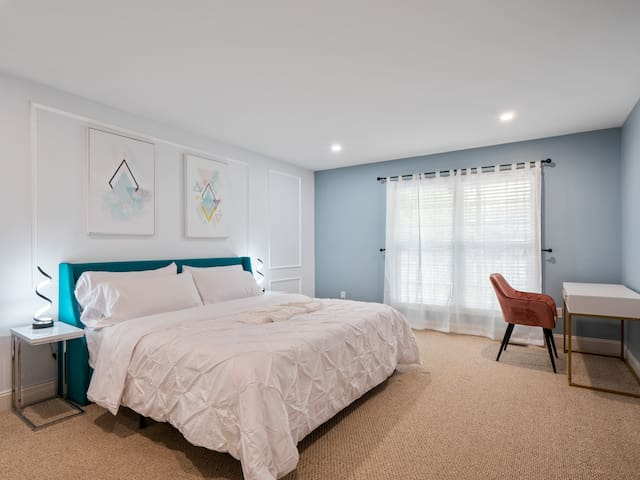 Master bedroom ( only bedroom on first floor for privacy) is a great area to relax after long day. Sleep sound on your King size memory foam bed with Egyptian cotton duvet and oversized pillows for comfort. Complete your work on a velvet chair.