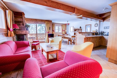 Penthouse chalet apartment right on the slopes!