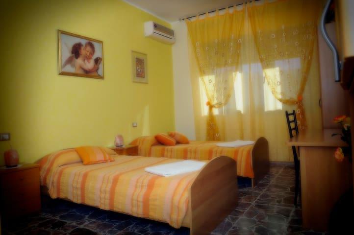 Camera Yellow - Piazza Armerina - Bed & Breakfast