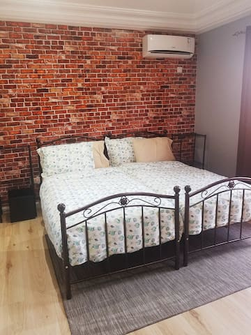 Bedroom#2 with two twin beds