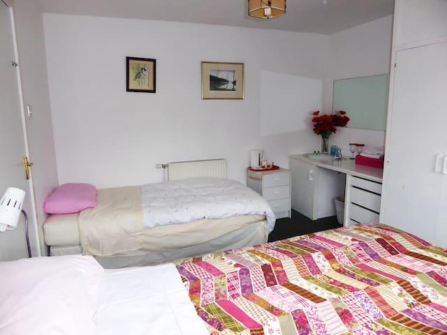 Craggan Cottage, Room 1