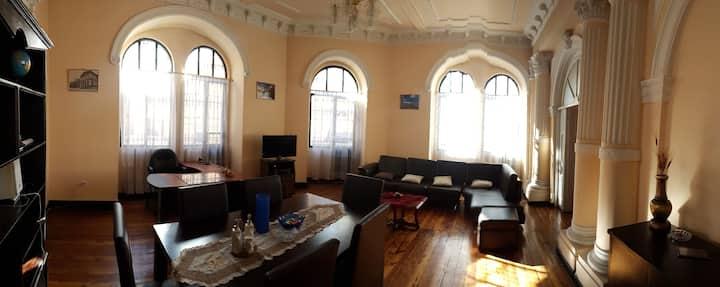 Centro Historico de Quito, DEPARTAMENTO 1er Piso