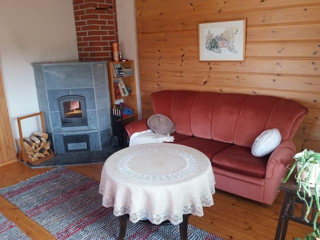 Olohuoneessa levitettävä sohva, Livingroom