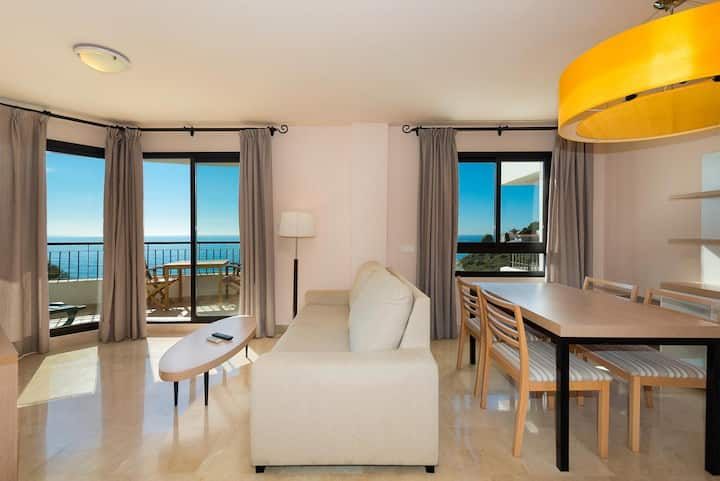Amazing 1 Bedroom Seaview Apartment
