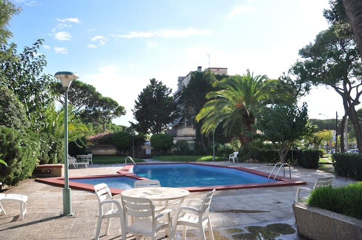Seaside apartment near Barcelona - Castelldefels - Appartement