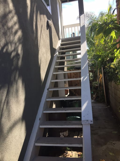 Apt is located upstairs with private entrance, parking in alley right next to stairs