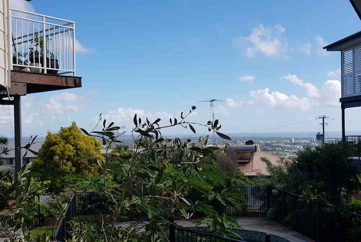 High up on Buderim with Ocean View