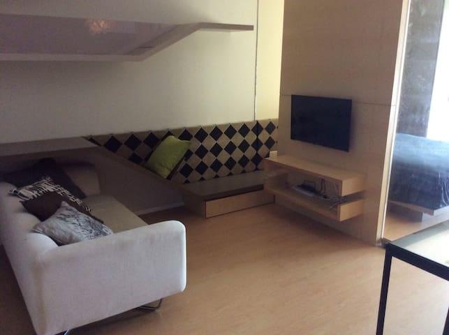 Verve Suite @ Mont Kiara Kuala Lumpur - Kuala Lumpur - Kondominium