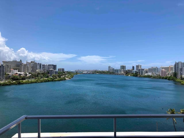 Condado Perfect Location & View w/ new furniture