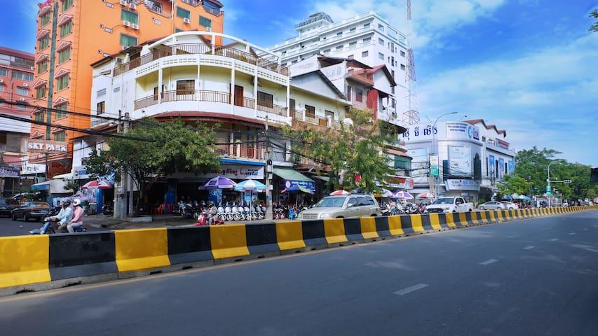 Building View on Street 274 (Preah Sihanouk Blvd)