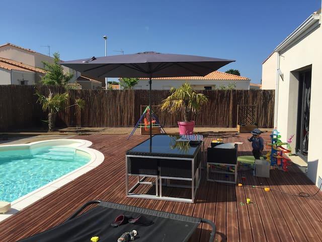 Belle maison avec piscine et spa. - Saint-Brevin-les-Pins - Hus