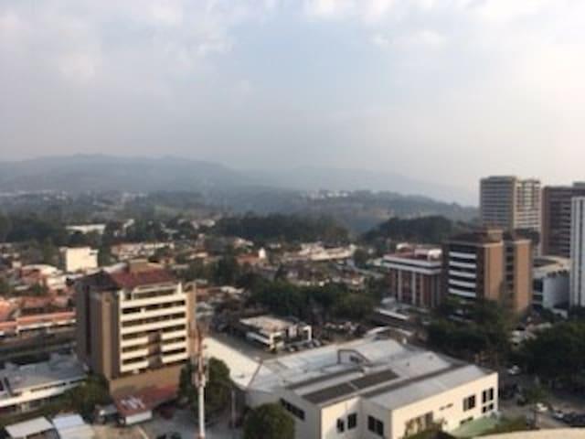 Habitación con baño privado en Penthouse Zona 14 - Guatemala City - Apartment