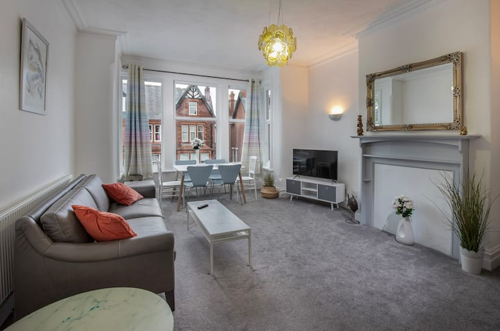 Stylish apartment minutes from Lytham centre