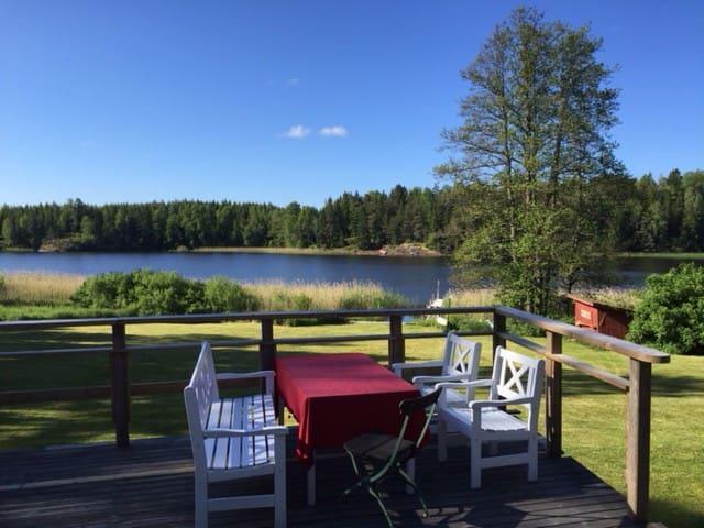 Drömhus - egen brygga och bubbelpool i  Roslagen