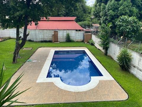 casa completa en condominio san  Patricio, Managua