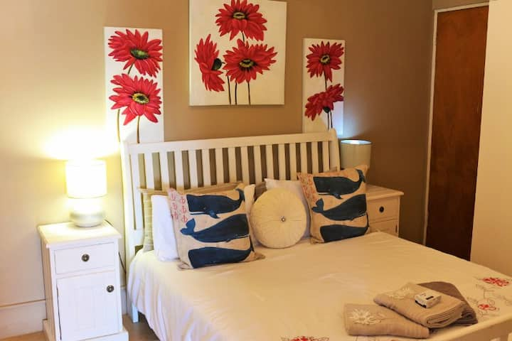 17 on Periwinkle Self-Catering Apartments (Unit A)