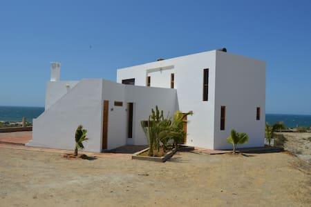 Beach home Vichayito (Mancora) Peru - Vichayito - Casa