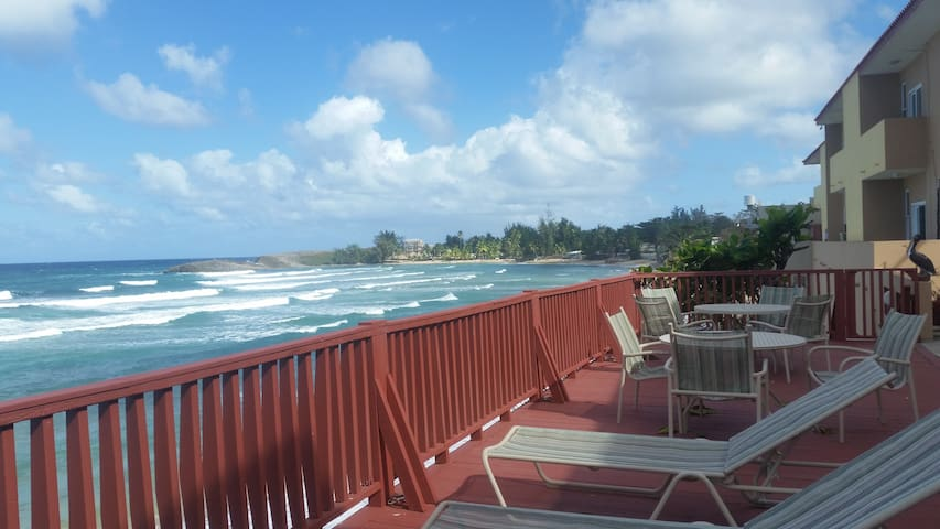 Right on the Beach - Fully-equipped Beach Apt 1B - Isabela - Apartamento