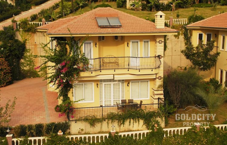 Villa in the residential complex Gold Сity