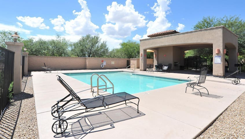 BEST LOCATION Great Family Home with Pool and Spa