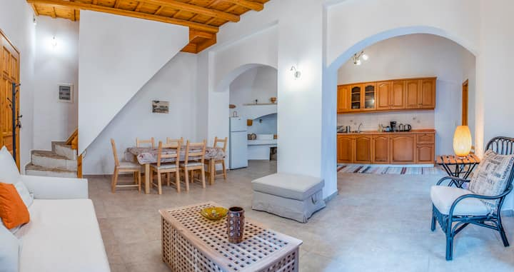 Luxury Maisonette Danai just near to the sea