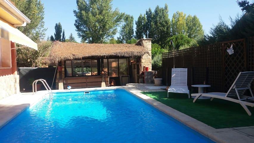 Casa Lastra Pelayos, de 10 a 13 personas. - Pelayos de la Presa - Dağ Evi