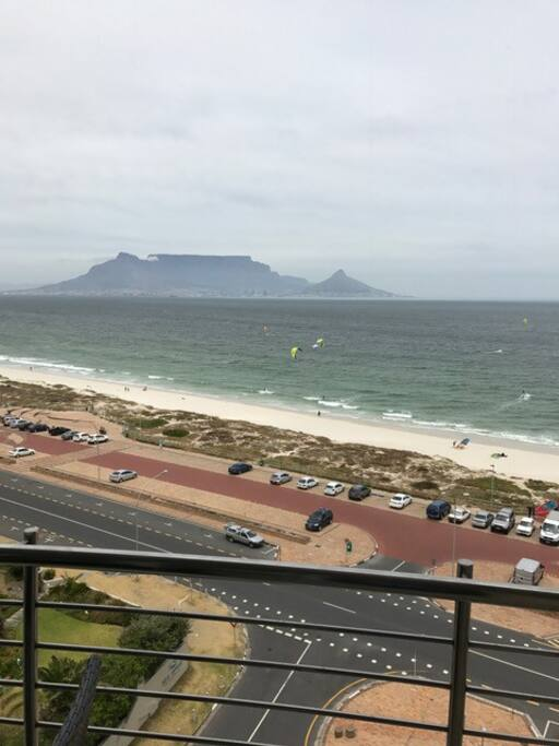 Spectacular view of Table Mountain and on Kite Beach.