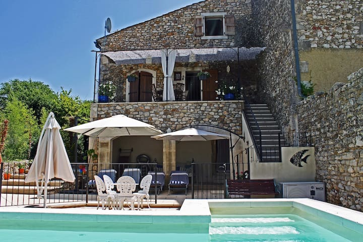 Character Cottage with Private Heated Pool - Brouzet-lès-Alès - 단독주택