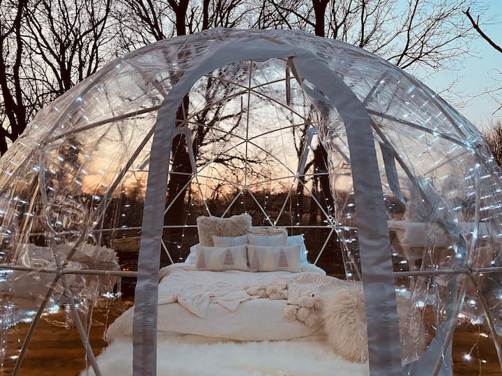 The SnowGlobe Igloo Winter'cation (Heated&HotTub)