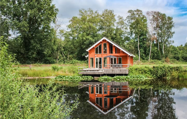 Nice home in NL with Outdoor swimming pool, WiFi and 3 Bedrooms