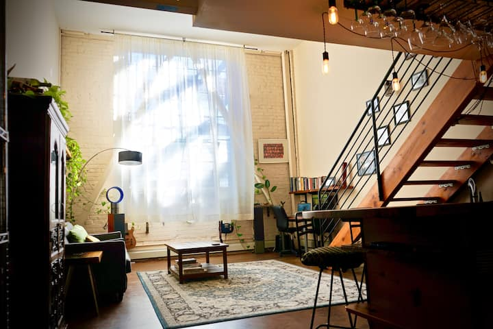 Hip Large Lake Merritt Loft | BART & Highway Close