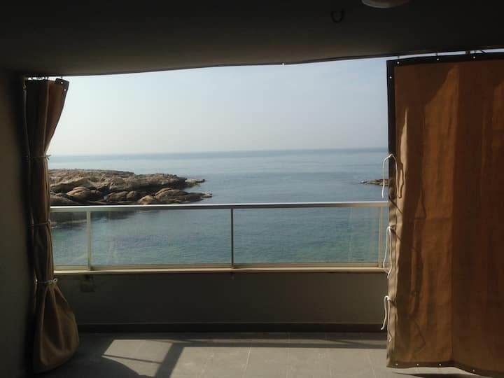 Meena Marina - Beachfront Infinity View
