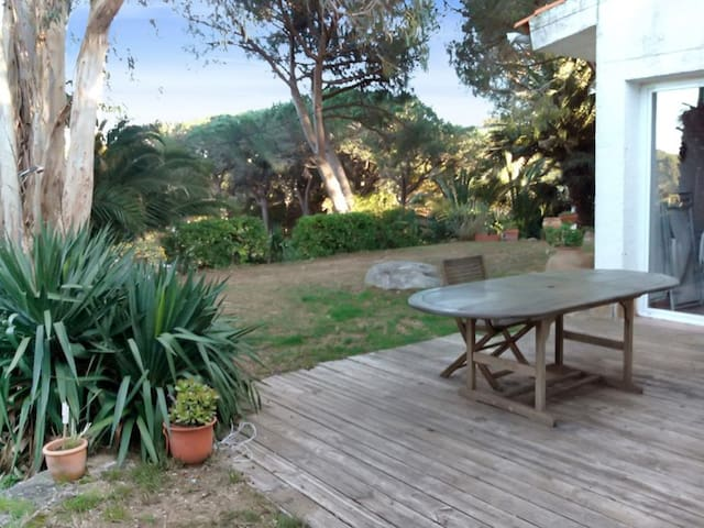 Beachside house with garden - Sant Antoni de Calonge