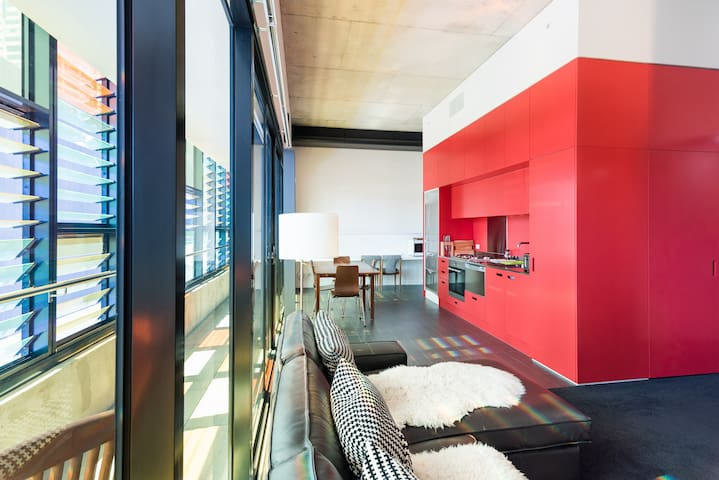 Sensational Southbank – Modern & Great Location!