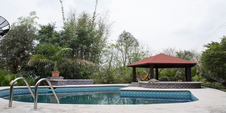 Amazing House in Tepoztlán with Pool and Jaccuzzi. - Tepoztlán