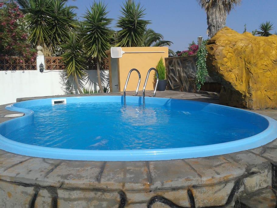 Zona tranquila cerca de playa piscina barbacoawifi for Piscina de cadiz
