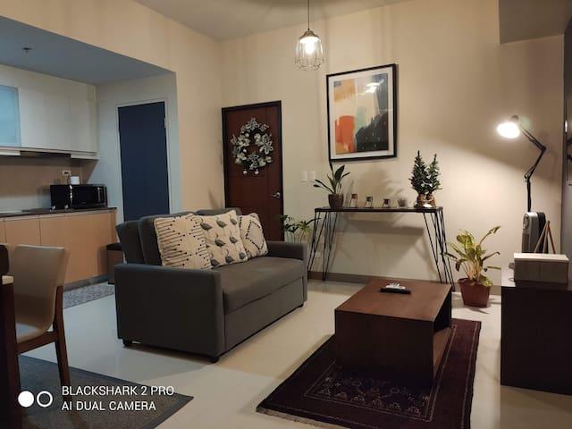 Modern - Cozy 1 bedroom CONDO unit