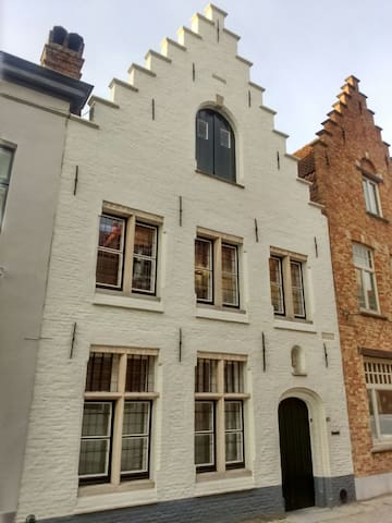 Cosy home centre Bruges - Brügge