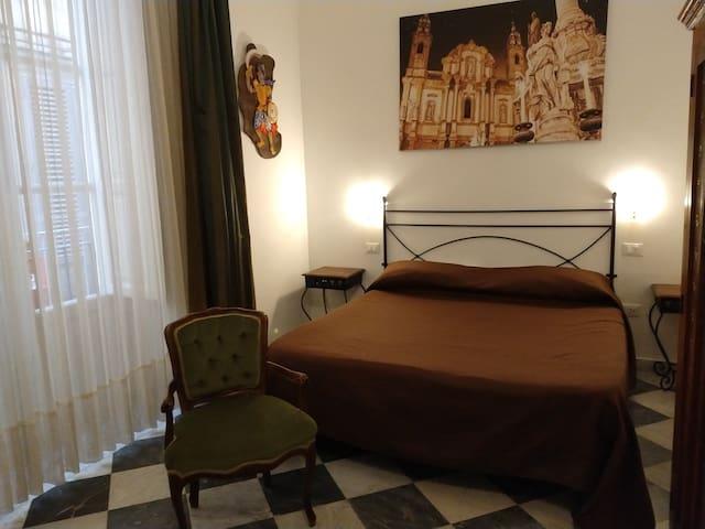 Palermo center room & breakfast private bathroom