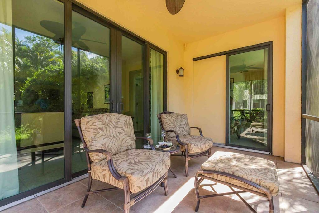 Enjoy relaxing in the comfortable & tranquil setting of your own private screened lanai w/preserve views