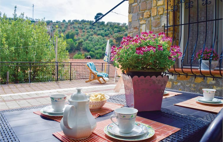Holiday cottage with 2 bedrooms on 70m² in Diano Castello (IM)