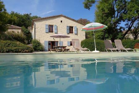 Maison de Campagne avec piscine à Valprionde - Hus