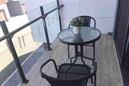 布里斯班南区Calamvale客房配独立阳台